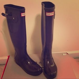 Size 9 Hunter Tall Rain Boots
